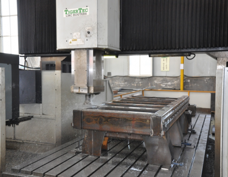 FIVE-AXIS GANTRY MACHINING-CENTER